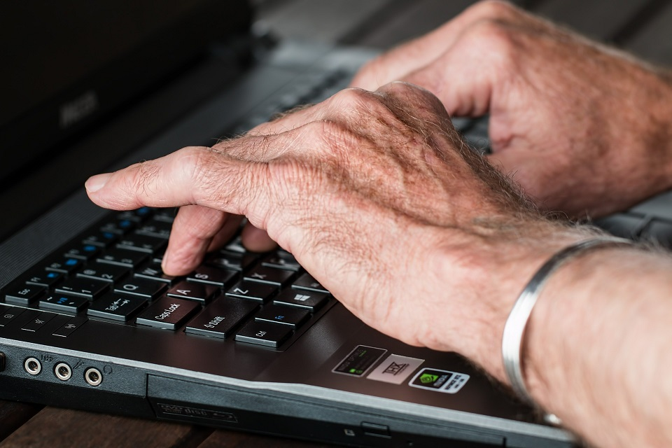 Rules of Engagement: 3 Quick Tips to Engage Seniors on Social Media